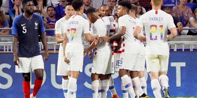 France - États-Unis: pourquoi les numéros des joueurs américains sont-ils arc-en-ciel?