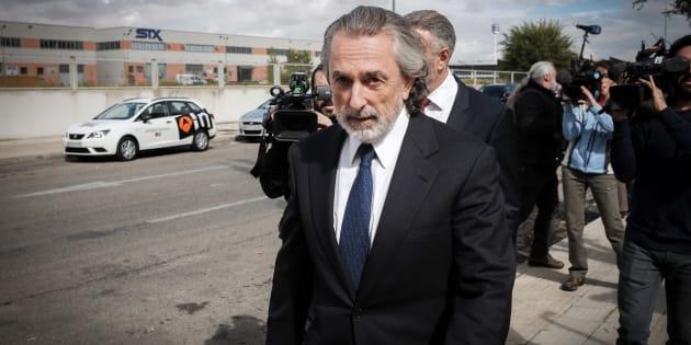 Francisco Correa, llegando a la sede de la Audiencia Nacional en San Fernando de Henares en octubre de 2016.