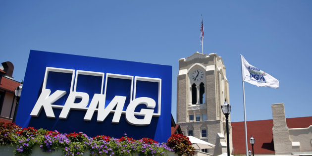 S.Africa's c.bank concerned about KPMG; chairman meets former finance minister