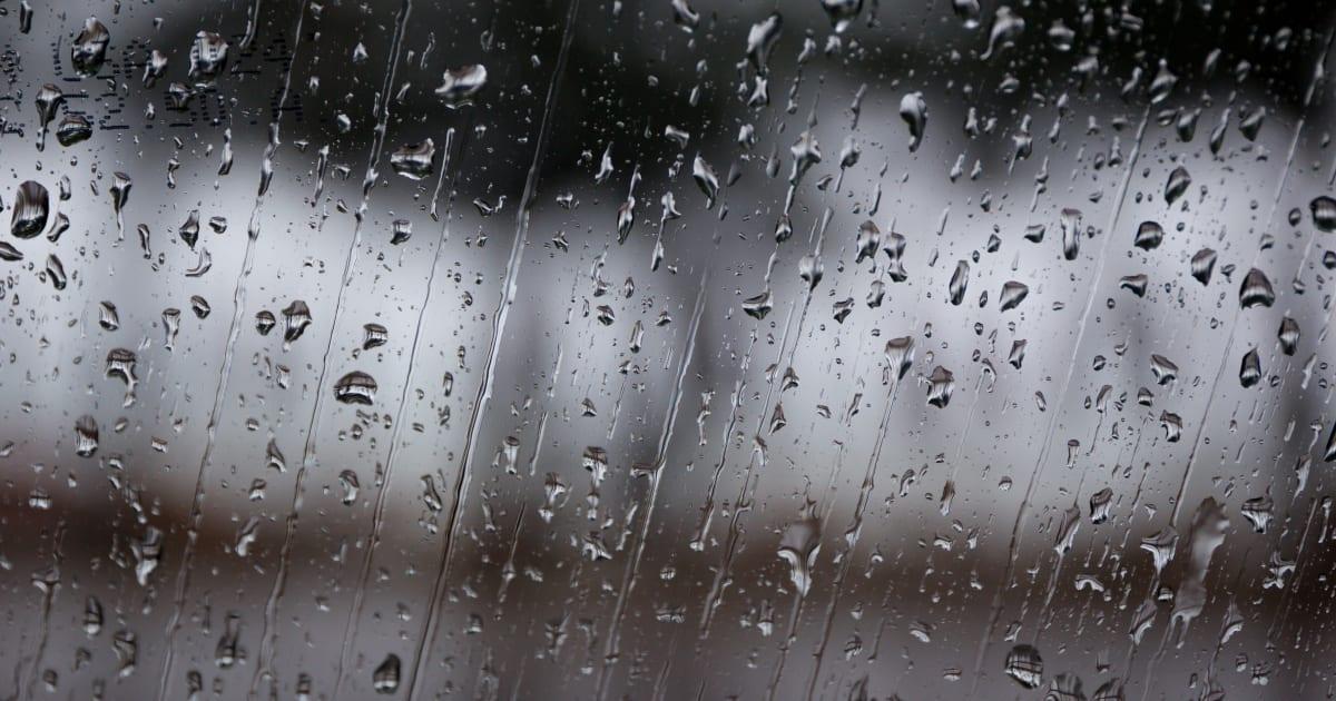 De la pluie jeudi pourrait contrarier certains qu b cois for Divan quebecois