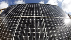 Avec Tesla, les toits solaires ne ressemblent plus à