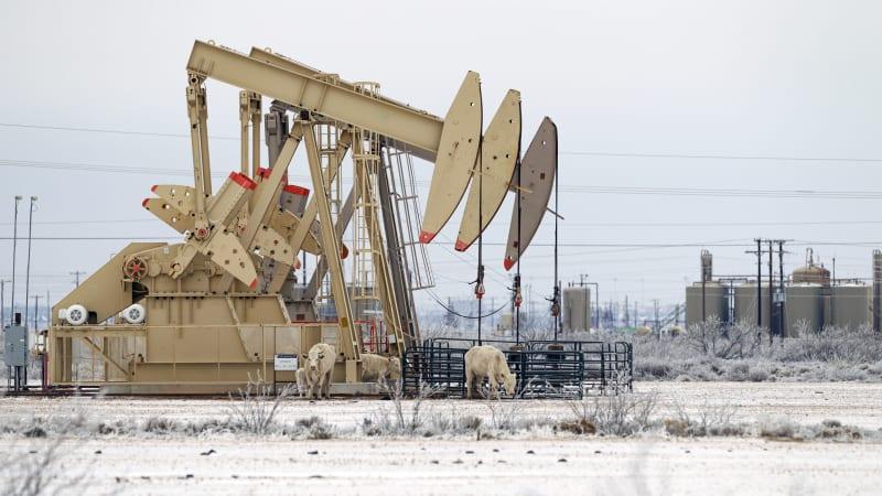 Заморозка в Техасе подтолкнула к росту цен на бензин в США