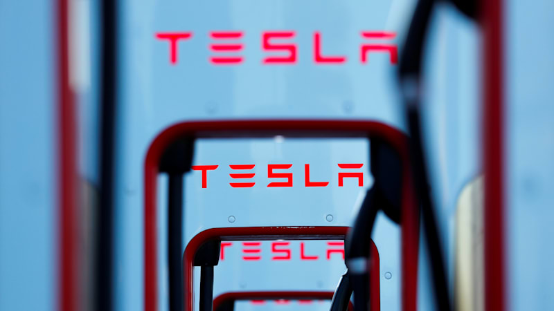 6faffd12f67 Tesla posts $408 million quarterly loss, stock takes a 10% hit ...