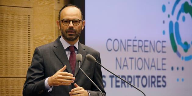 Conférence des territoires: Liberté, visibilité, stabilité, la câlinothérapie d'Édouard Philippe avant la diète