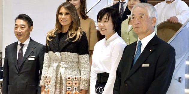 Melania Trump: visita al negozio di perle in Giappone