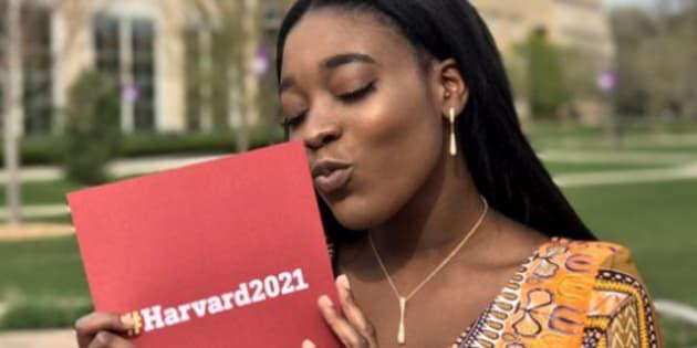 Priscilla Samey est allée à son bal de promo avec sa lettre d'acceptation pour Harvard.