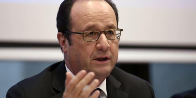 """Attaque """"chimique"""" en Syrie: François Hollande pointe la """"responsabilité"""" de Bachar al-Assad et de ses alliés dans ce """"massacre"""""""