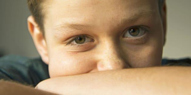 Las estrias, por ejemplo en las rodillas, son comunes y normales en niños menores de 16 años