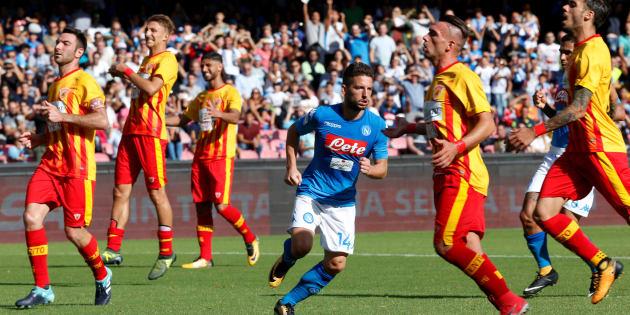 Soccer Football - Serie A - S.S.C. Napoli vs Benevento Calcio - Stadio San Paolo, Naples, Italy - September 17, 2017   Napoli's Dries Mertens celebrates scoring their fifth goal    REUTERS/Ciro De Luca