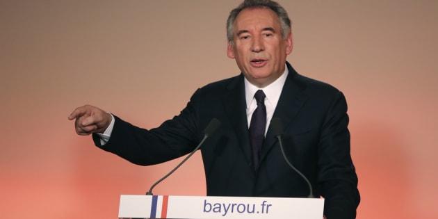 """Pour Bayrou, le soutien du """"gaulliste"""" Dupont-Aignan à Marine Le Pen est """"une immense honte"""""""