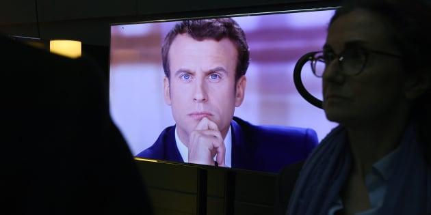 Emmanuel Macron lors du débat d'entre-deux-tours face à Marine Le Pen, le 3 mai.