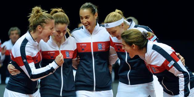 Les joueuses de l'équipe de France de Fed Cup, Pauline Parmentier, Alize Cornet, Caroline Garcia, Kristina Mladenovic et la capitaine Amelie Mauresmo. (17 avril 2016)
