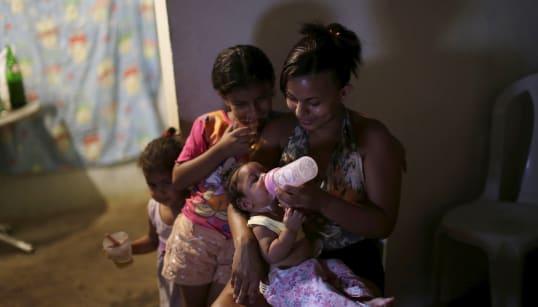 7 números sobre mulheres que criam filhos sozinhas no