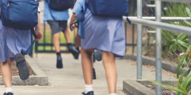 Plus d'un tiers des jeunes britanniques ont été harcelées sexuellement en uniforme scolaire