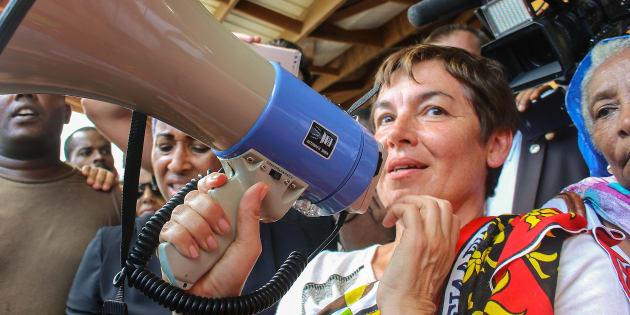 Annick Girardin est de retour à Mayotte où la crise est loin d'être réglée.