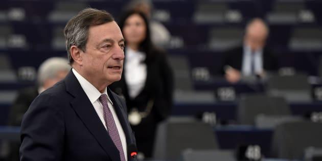 Draghi: Senza la moneta unica i Paesi europei perderebbero la sovranità