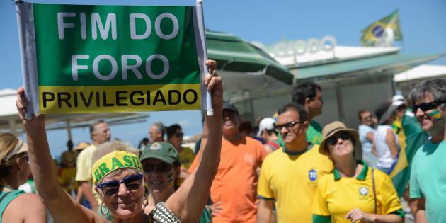 Apesar da restrição, Brasil continua sendo um dos países que mais concede o privilégio a autoridades.