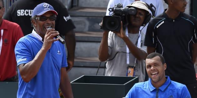 Yannick Noah et Jo-Wilfried Tsonga lors de France-Canada en Coupe Davis le 6 mars 2016.