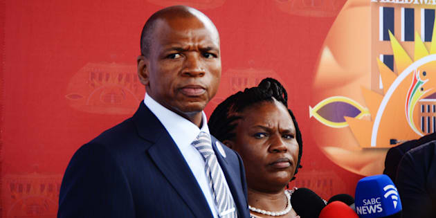 Drama as Supra Mahumapelo resigns