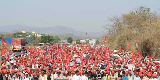 MUMBAI, INDIA - MARCH 9: More than 25,000 farmers led-by All Indian Kisan Sabha (AIKS) continued their march from Nashik to Mumbai, protesting against Maharashtra government's anti-government policies, on March 9, 2018 in Mumbai, India.