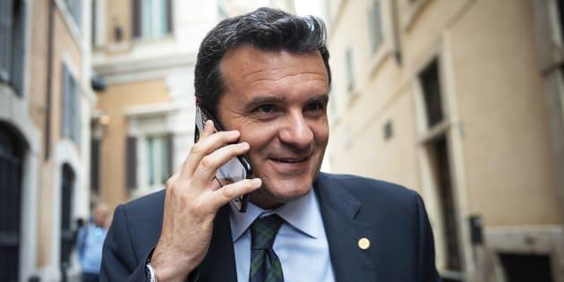"""Gian Marco Centinaio: """"La mail"""