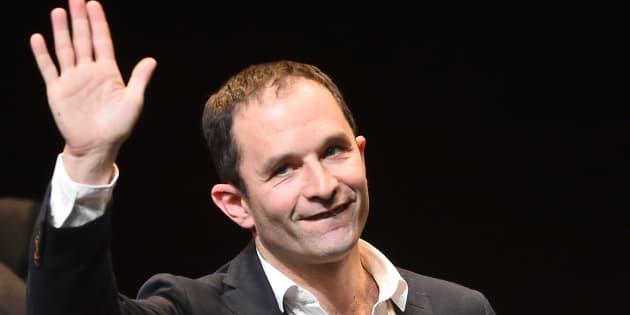 """Benoît Hamon appelle Jean-Luc Mélenchon """"à sortir de sa stratégie solitaire""""."""