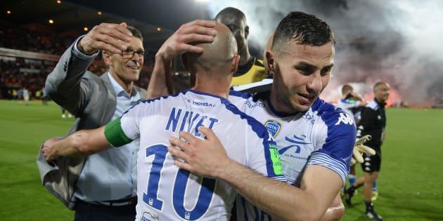 Les joueurs de Troyes après leur match contre Lorient le 28 mai au Moustoir.