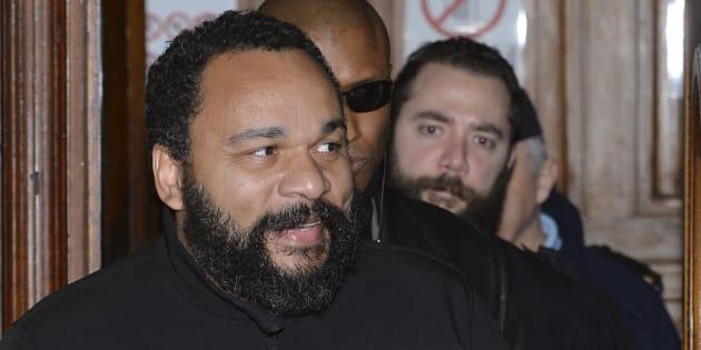 Dieudonné lors d'un procès à Paris en février 2015.