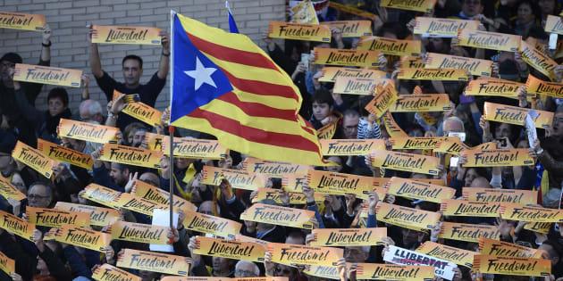 AFP                       Désunis à l'approche des élections les indépendantistes catalans manifestent à Barcelone