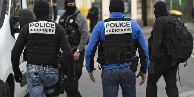 Des membres du Raid à Saint-Denis, près de Paris, le 18 novembre 2015.