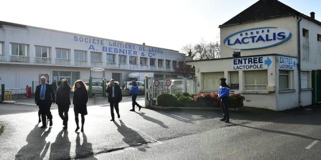 Le PDG de Lactalis, Emmanuel Besnier, présente ses excuses aux victimes