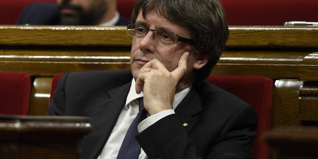 Crise en Catalogne: Carles Puigdemont suspend sans explication son discours très attendu