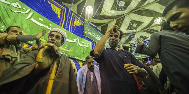 Carnage dans une mosquée en Égypte: qui sont les musulmans soufis, visés par l'attaque?