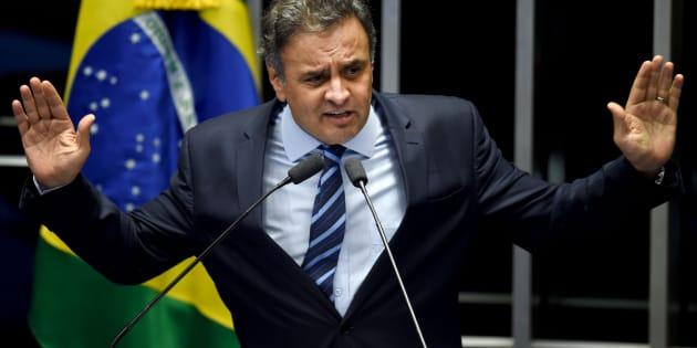 """A defesa do senador Aécio Neves diz que """"segue tranquila quanto à manutenção da decisão do ministro Marco Aurélio que, ao revogar as cautelares impostas contra o Senador, promoveu precisa aplicação das regras constitucionais""""."""