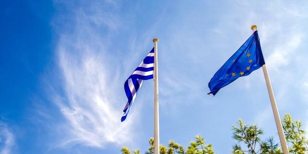"""Grèce: un accord met """"fin"""" à la crise de la dette"""