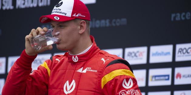 Schumi Jr batte Vettel in una gara di esibizione e fa sognar
