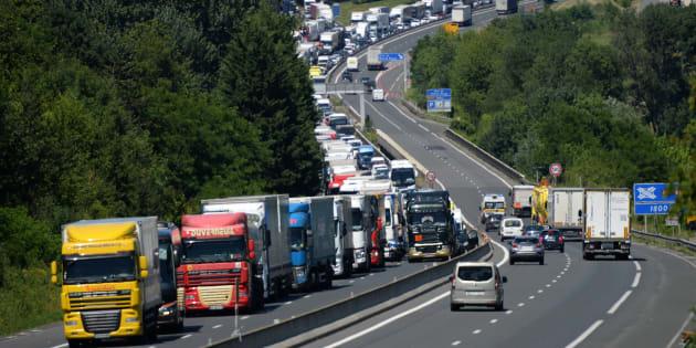 Samedi 17 novembre, de nombreux Français comptent se mobiliser dans tout le pays contre la hausse du prix du carburant.