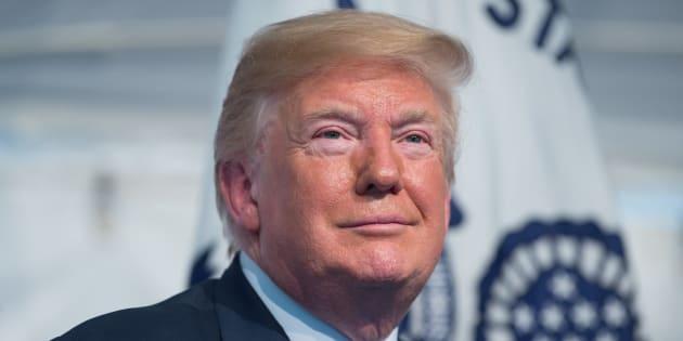 """Ingérence russe: S'il était inculpé, Donald Trump pourrait probablement """"se gracier"""" lui-même."""