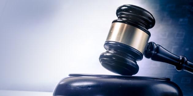 Les juges sont encore nommés par les politiciens et l'ont trop souvent été en fonction de leurs allégeances politiques.
