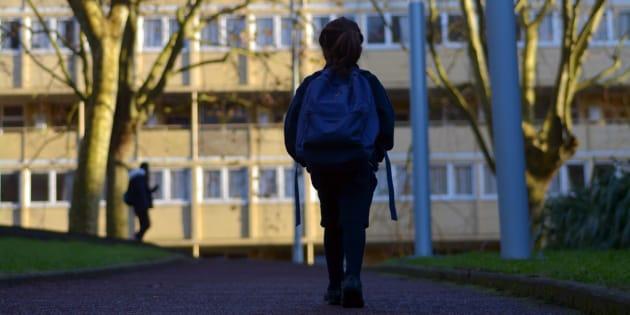 """""""Dévalorisation, sentiment d'isolement face aux comportements d'élèves """"difficiles"""", """"perturbateurs"""", """"en manque de repères"""": les équipes éducatives expriment de manière récurrente un profond désarroi."""""""