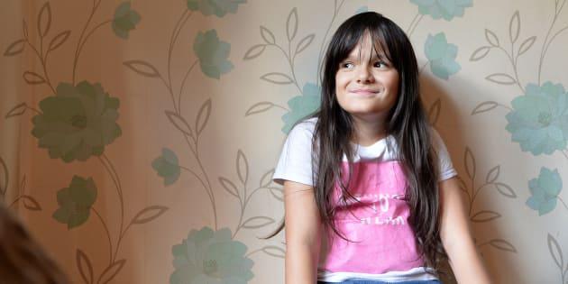 Paddy McGuire, una niña trans de 10 años, es retratada en 2017 en su casa en Leicester, England.