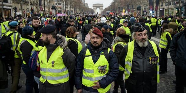 """Benjamin Griveaux dénonce la présence de """"paramilitaires"""" dans les rangs du service d'ordre des gilets jaunes."""