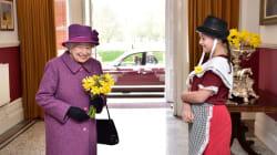 Apparently Queen Elizabeth II Sends Secret Messages With Her