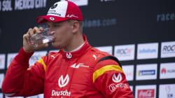 Schumi Jr batte Vettel in una gara di esibizione e fa sognare i tifosi della