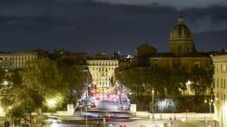 Aggredisce a pugni in faccia i passanti nel centro di Roma: arrestato ragazzo in
