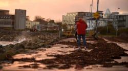 La tempête Ophelia fait 3 morts en Irlande, les écoles