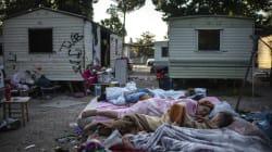 Prova di forza del Campidoglio: sgomberato il Camping River, famiglie rom divise (di L.