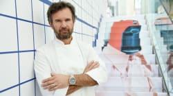 Carlo Cracco cucina contro il cancro al seno per la cena di beneficenza di