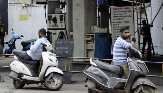 Record Petrol, Diesel Prices Are Hurting Narendra Modi's Middle-Class