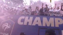 Il y avait tellement de fumigènes sur les Champs que les Bleus ont dû se